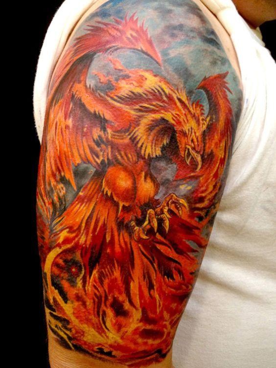 Tatuaje De Ave Fenix En El Brazo (5)
