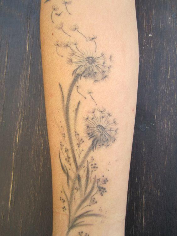 Tatuaje De Diente De Leon En El Brazo (2)