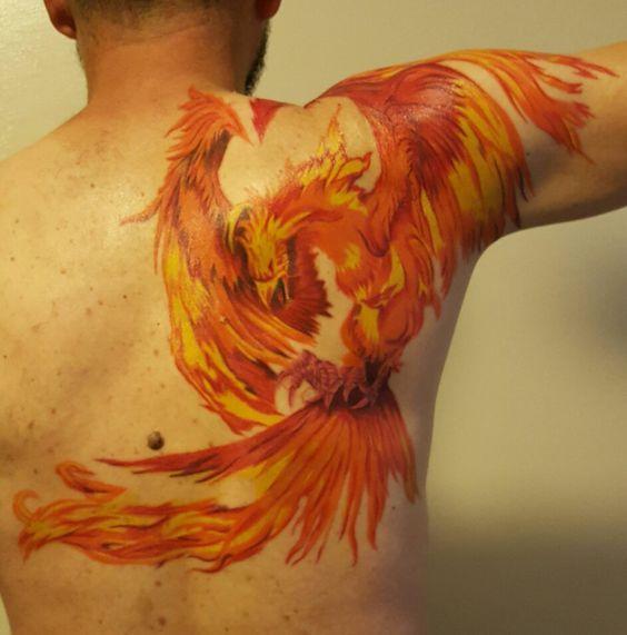 Tatuajes De Ave Fenix Hombres (1)