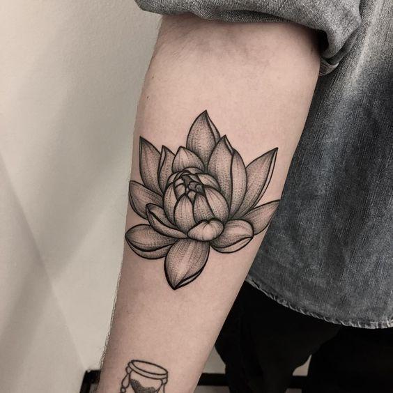Tatuajes De Flor De Loto Hombres (6)