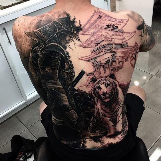 Tatuajes De Samurai En La Espalda (5)