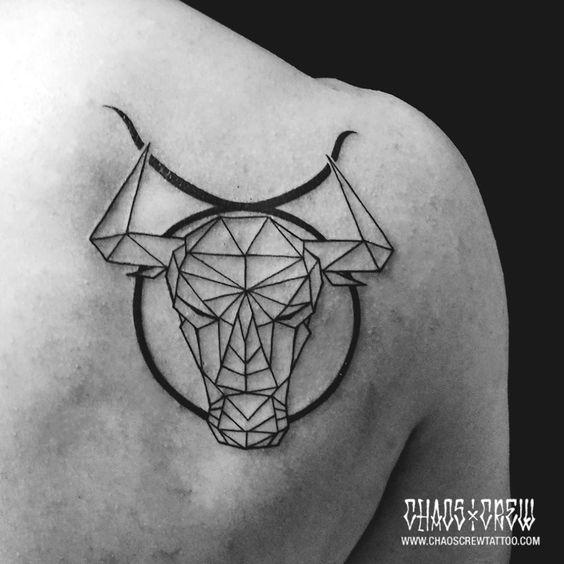 Tatuajes De Toros En La Espalda (2)
