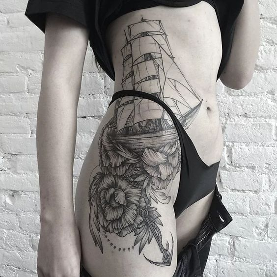 Tatuajes En La Cadera En Mujeres (7)