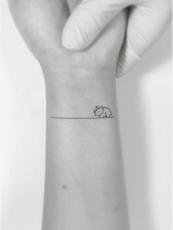 Tatuajes Sencillos Para Mujeres (8)