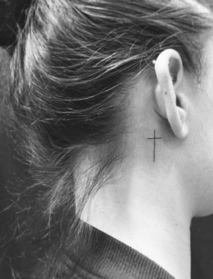 Tatuajes Pequeños De Cruces 7