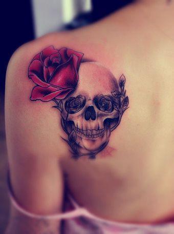 Tatouage Du Crâne Des Femmes (4)
