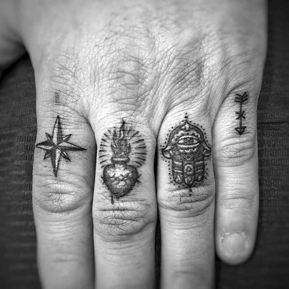 Des Tatouages Sur Les Doigts Pour Les Hommes (7)