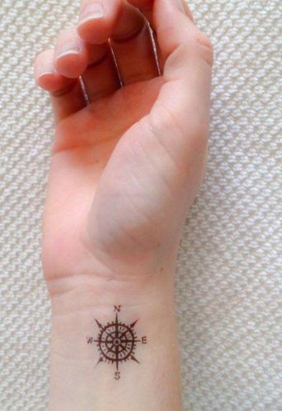 Petit Tatouage Discret (1)