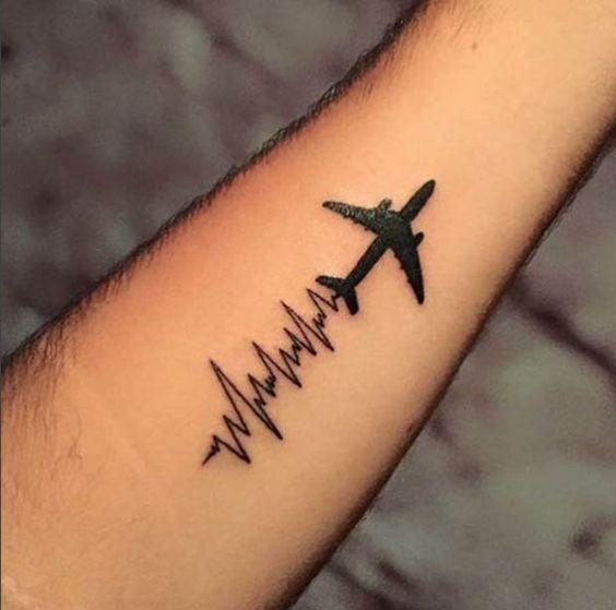 Tatouage Avion Homme (13)