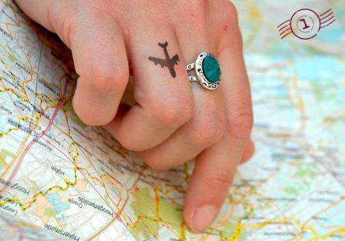 Tatouage Avion Voyage (1)