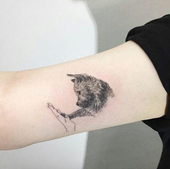 Tatouage Chien Femme (1)