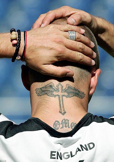 Tatouage Crois Cou (9)