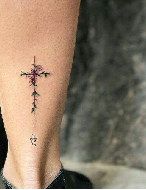 Tatouage Crois Femme (11)
