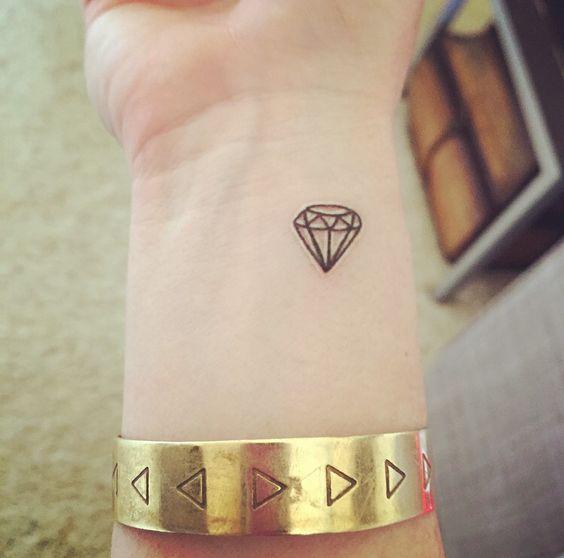 Tatouage Diamant Femme (2)
