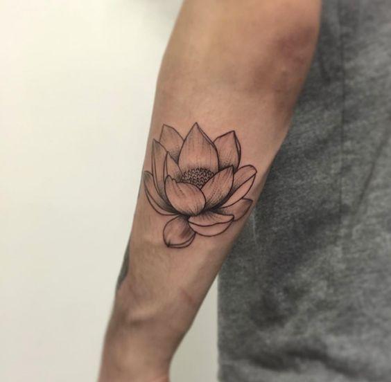 Tatouage Fleur De Lotus Homme (1)