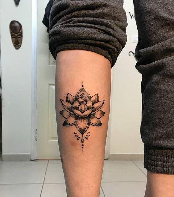 Tatouage Fleur De Lotus Homme (7)