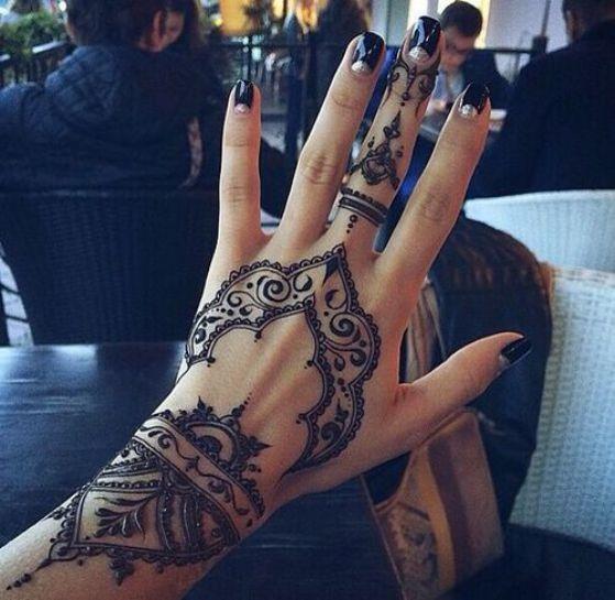 Tatouage Henne Main (2)