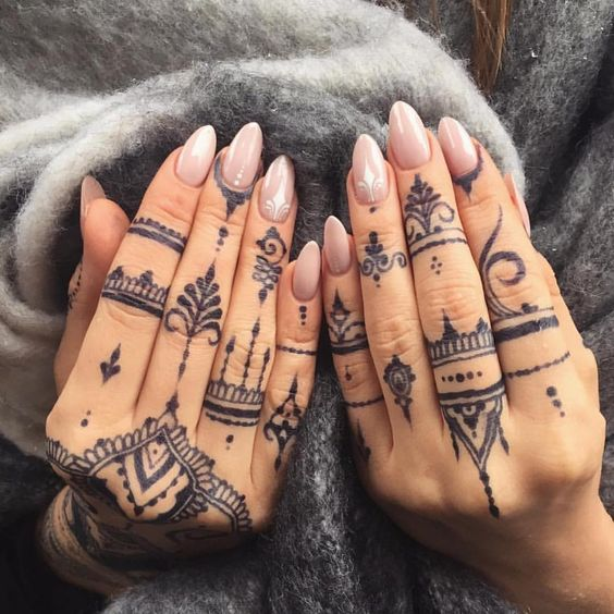 Tatouage Henne Noir (5)