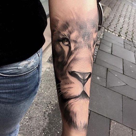 Tatouage Lion Femme (11)