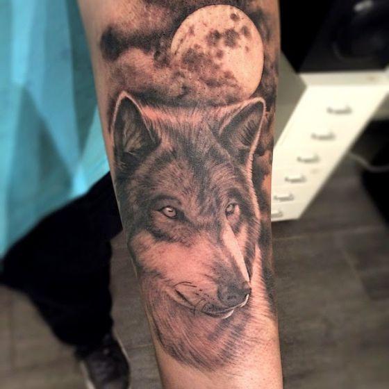 Tatouage Loup Et Lune (2)