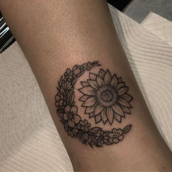 Tatouage Lune Soleil Femme (17)