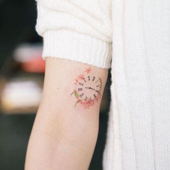 Tatouage Montre A Gousset Femme (8)