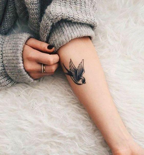 Tatouage Oiseau Simple Bras (6)