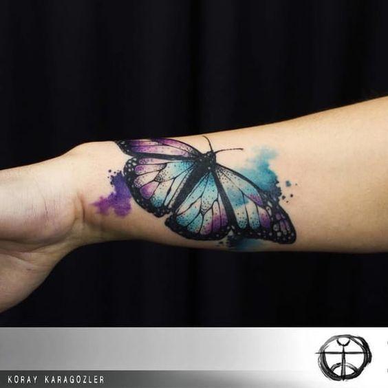 Tatouage Papillon Main (1)