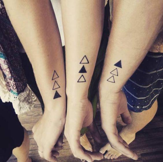 Tatouage Soeurs Simple (9)