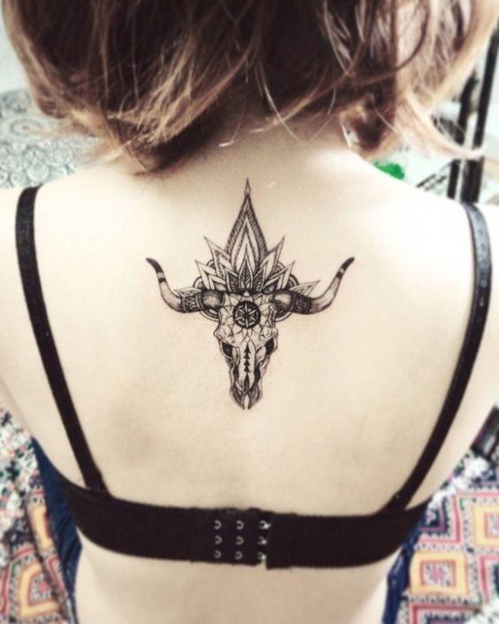 Tatouage Taureau Femme (2)