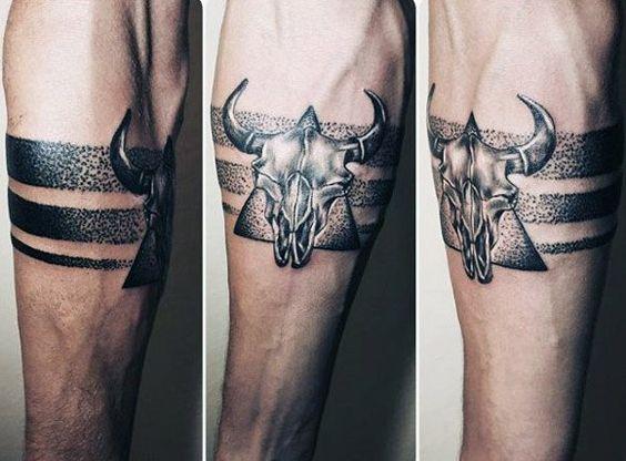 Tatouage Taureau Homme (1)