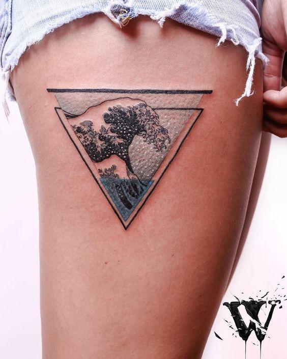 Tatouage Triangle Femme (4)