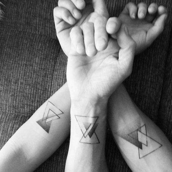 Tatouage Triangle Homme (12)