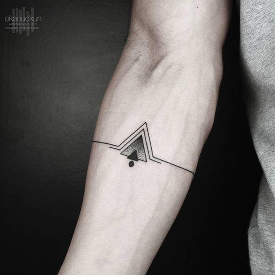 Tatouage Triangle Homme (5)