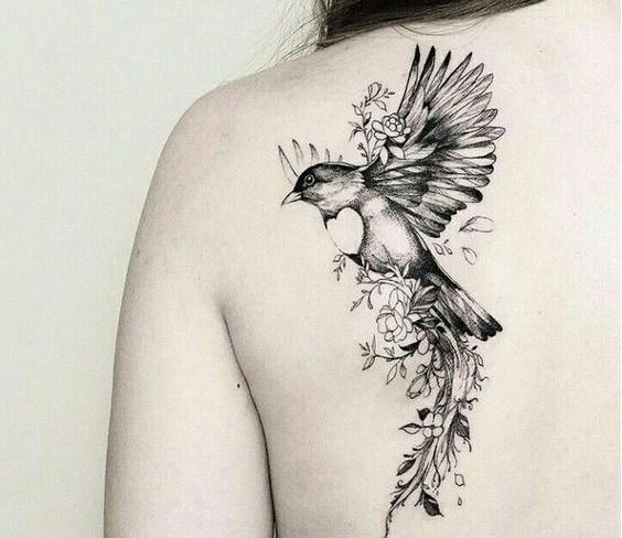 Tatouages Oiseaux Femme (8)
