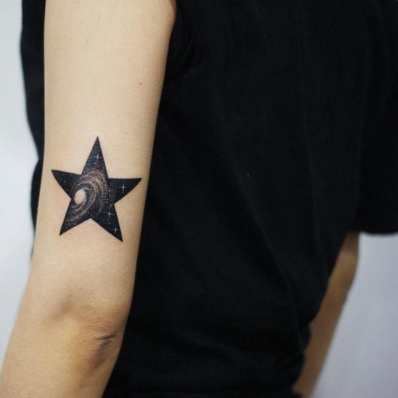Tatouages Stars Femme (3)
