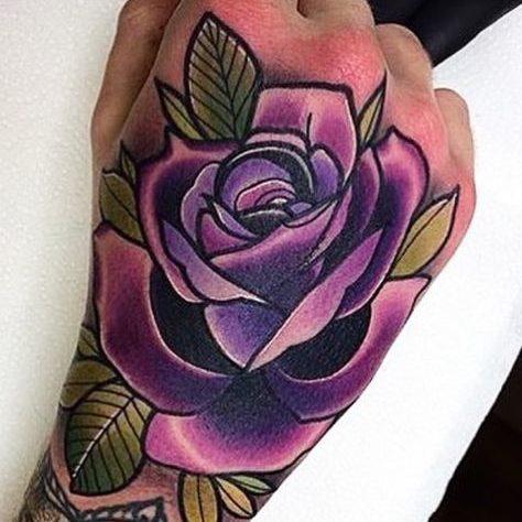 tatuajes de rosas para hombres (6)